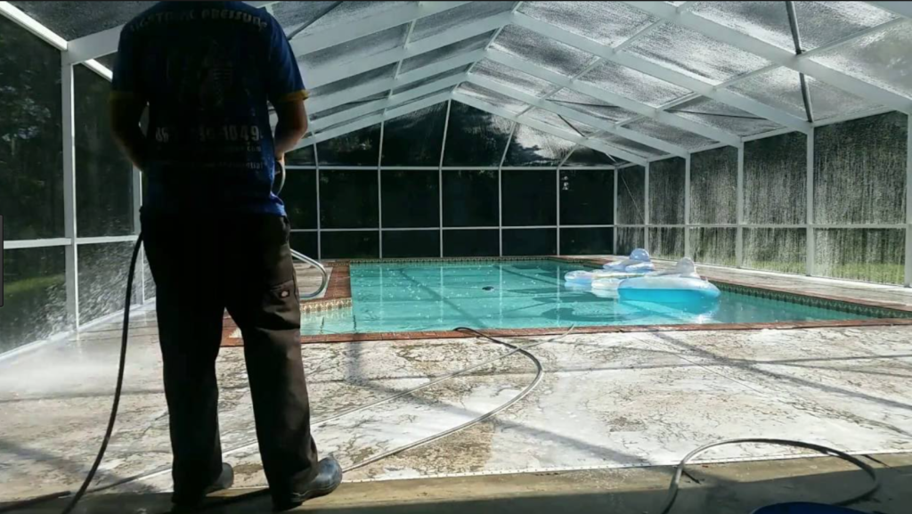 Pool Cage Cleaner Sarasota Pressure Washing Pool Screen