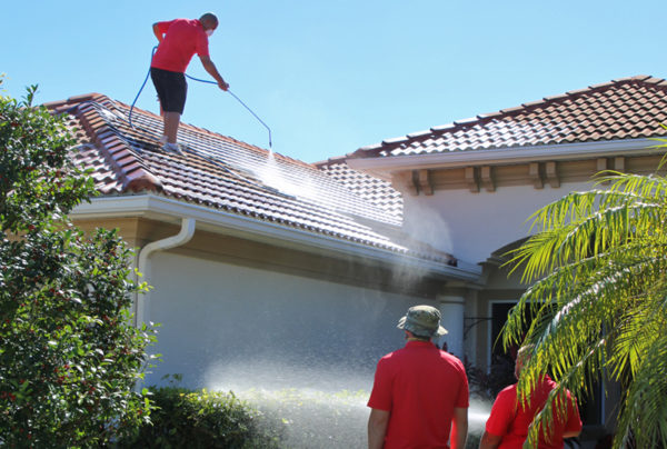 Lakewood Ranch FL roof cleaning