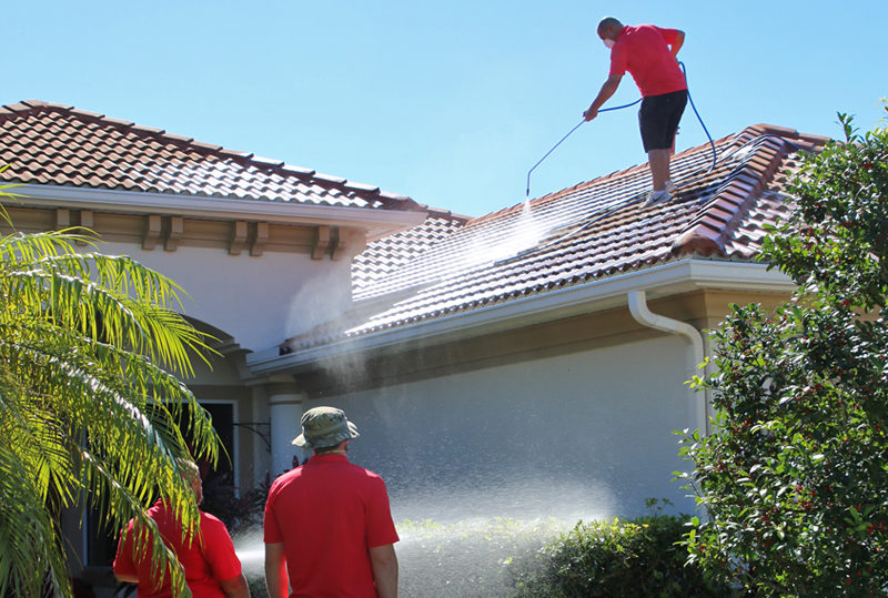 roof cleaning pressure washing in Sarasota FL